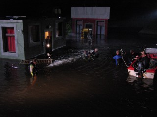 The Flood – night in the pool with DOP Tobias Albrecht