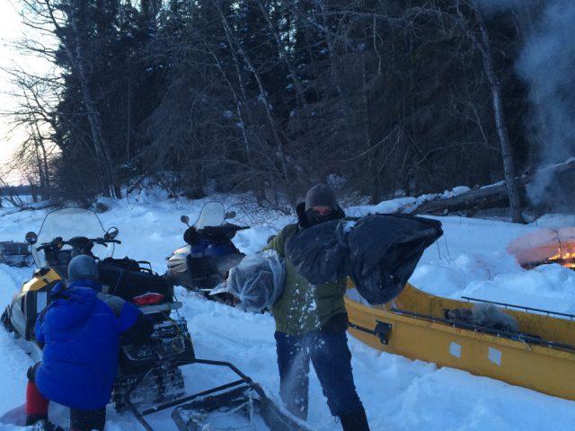Mit DOP Andrè Zschocke auf den Iceroads in Kanada