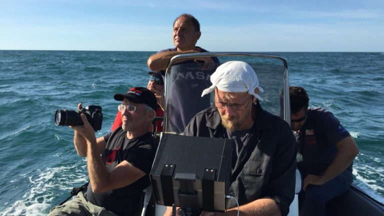 DOP Sebastian Hattop and vfx-artist Michael Paul filming boat-to-boat