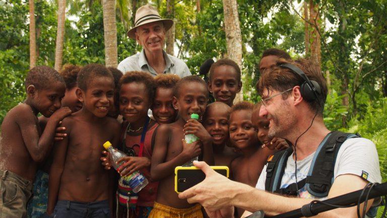 Mit DOP Pieter de Vries und Tonman Patrick Mullins in Papua Neuguinea